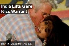India Lifts Gere Kiss Warrant
