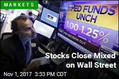 Stocks Close Mixed on Wall Street
