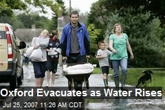 Oxford Evacuates as Water Rises
